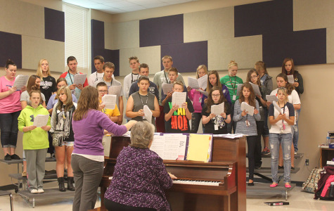 High School Choir Buckles Down for the Upcoming Year