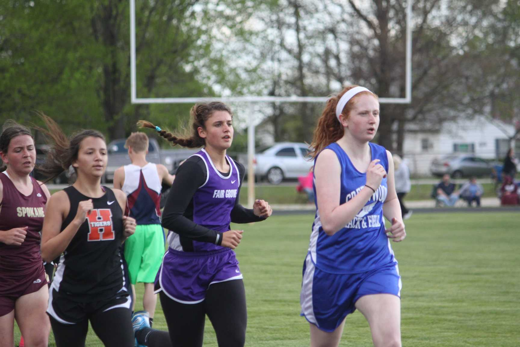 Kayla Bruemmer competes at Straford's track event
