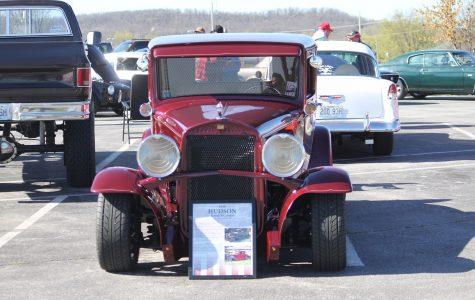 Project Graduation Hosts Car Show