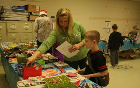 "PTO ""Wraps Up"" Holiday Shop"