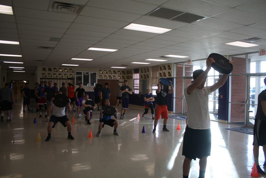 Fair Grove students partake in after school weights. PHOTO BY JAYDEN KENSINGER