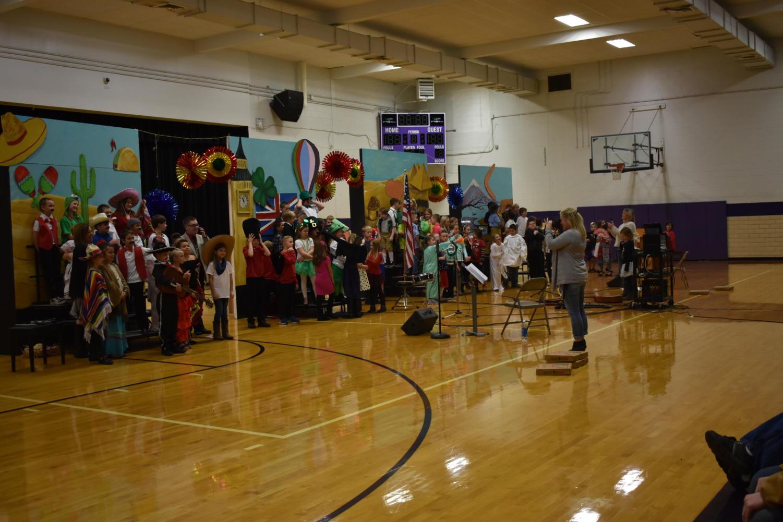Fair Grove 3rd graders perform their music program.