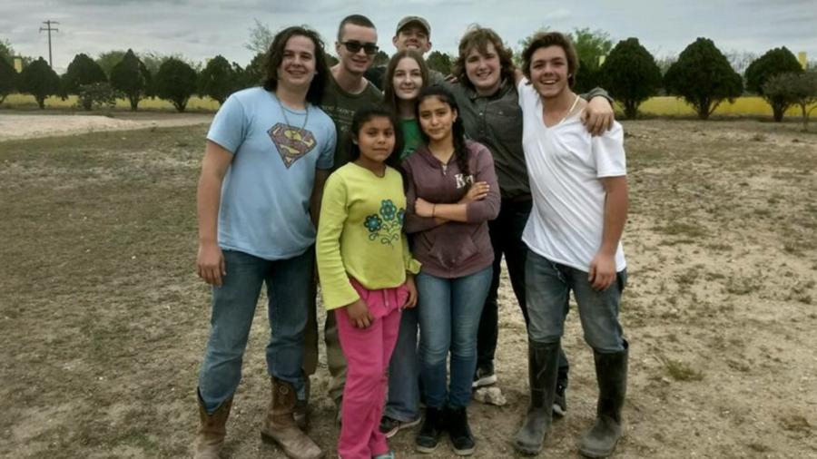 Fair+Grove+kids+in+Mexico