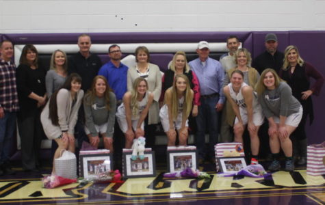 Girls Basketball Seniors Enjoy a Night to Remember