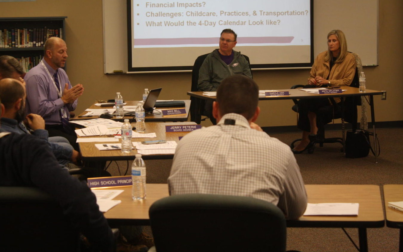 Superintendent Mike Bell discusses with the Fair Grove School Board.