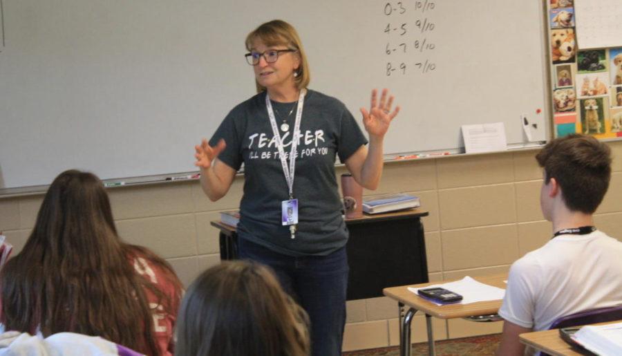 Beth Mauldin teaches during an AlgebraI class