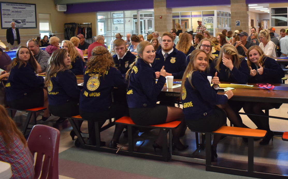 Members enjoy last year's FFA Banquet . (2018)
