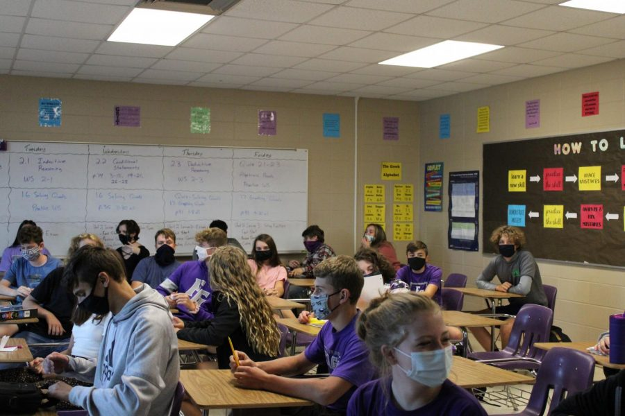 A+FGHS+classroom+with+students+wearing+their+mask
